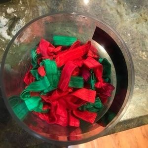 New Red and Green bundle of Hairties!